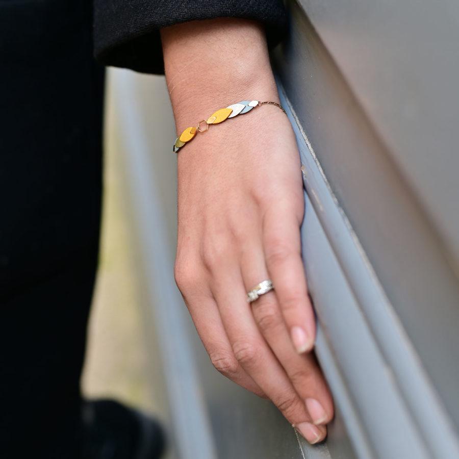 Bracelet Plumes de cuir Maï Martin Jaune