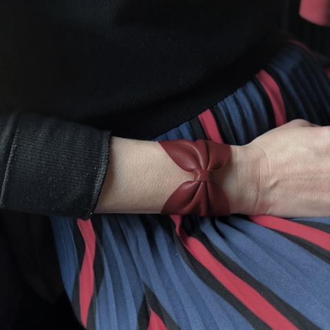 bracelet cuir noeud bordeaux